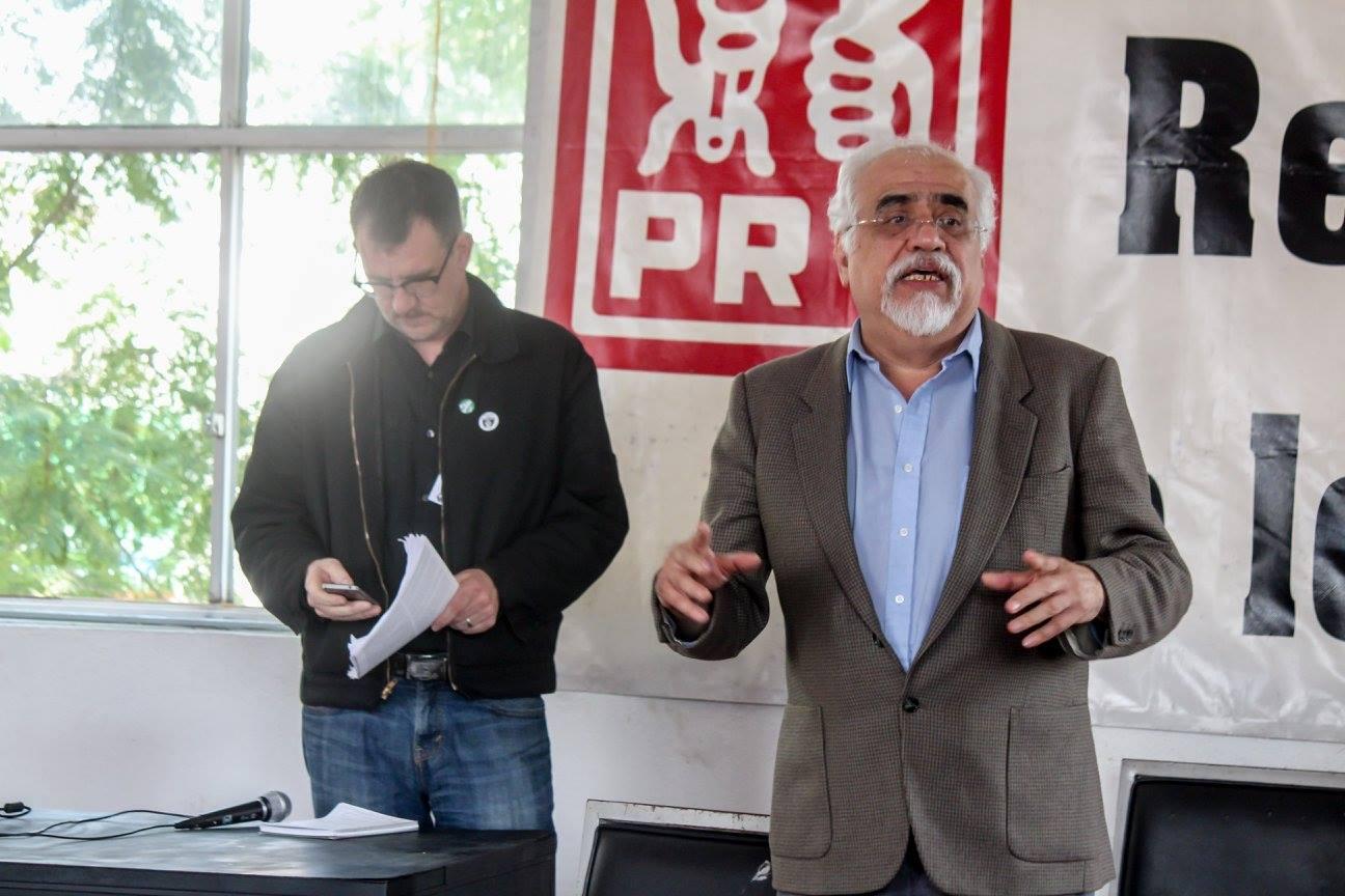 Edgard Sánchez presenta a Todd Chretien de ISO de EUA para exponer sobre el imperialismo hoy.